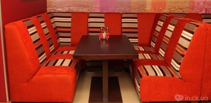 """Фото 1 - Изготовление мебели для арт-кафе """"Паприка"""" было одним из первых проектов"""