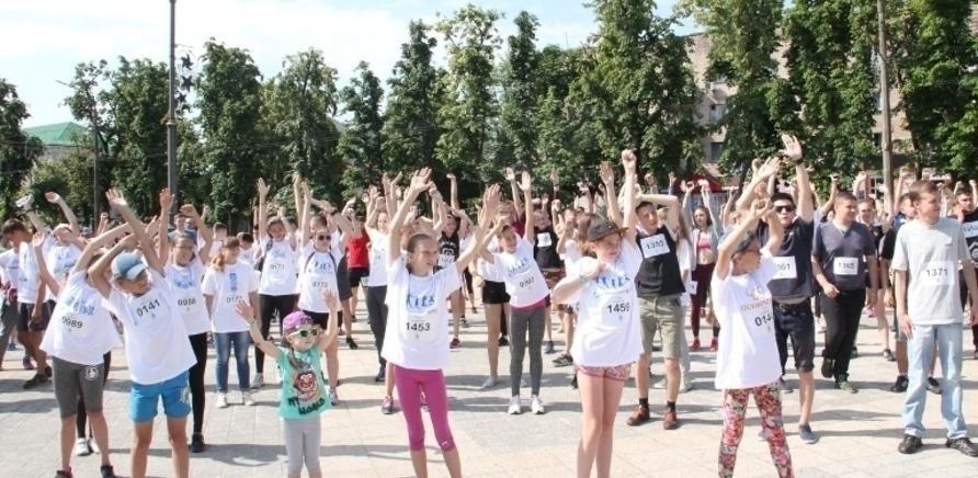 Фото 1 - Почти полторы тысячи черкасщан приняли участие в олимпийском забеге