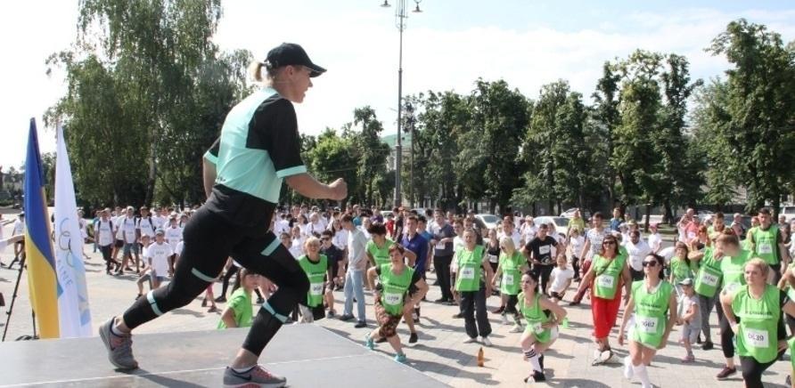 Фото 2 - Почти полторы тысячи черкасщан приняли участие в олимпийском забеге