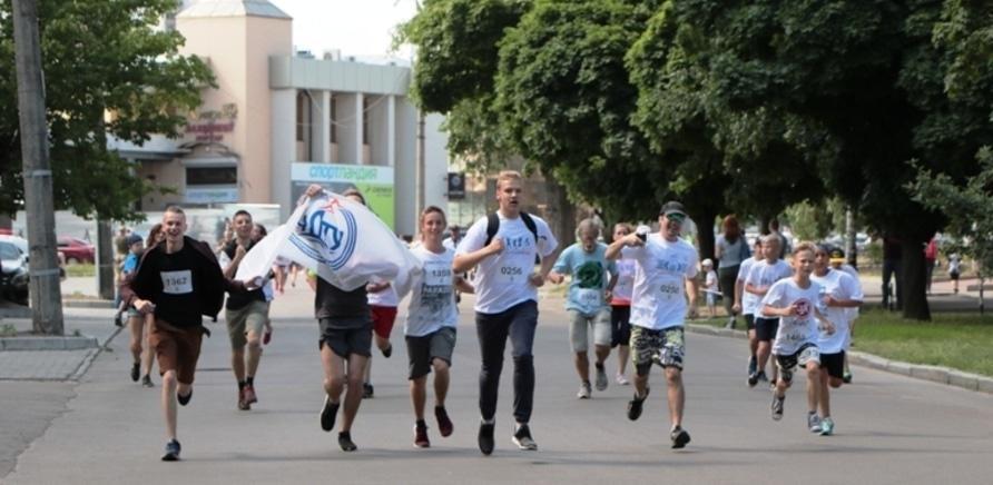 Фото 4 - Почти полторы тысячи черкасщан приняли участие в олимпийском забеге