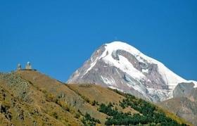 Статья 'Ученик 9 гимназии покорил вершину одной из гор Кавказа'