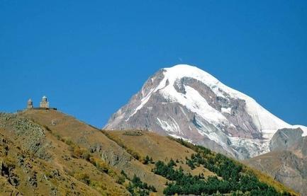 Стаття 'Учень 9 гімназії підкорив вершину однієї з найвищих гір Кавказу'