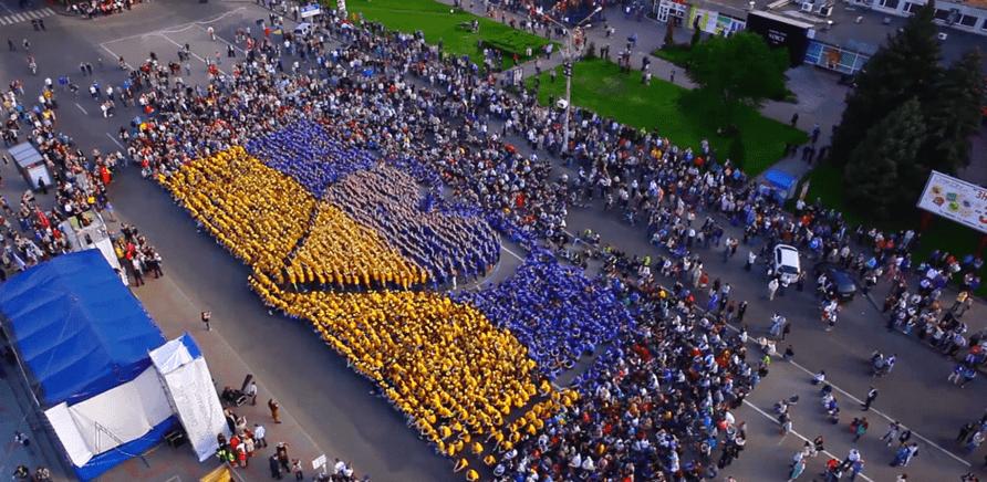 'Самые массовые приседания и длинные волосы: какими рекордами прославилась Черкасская область'