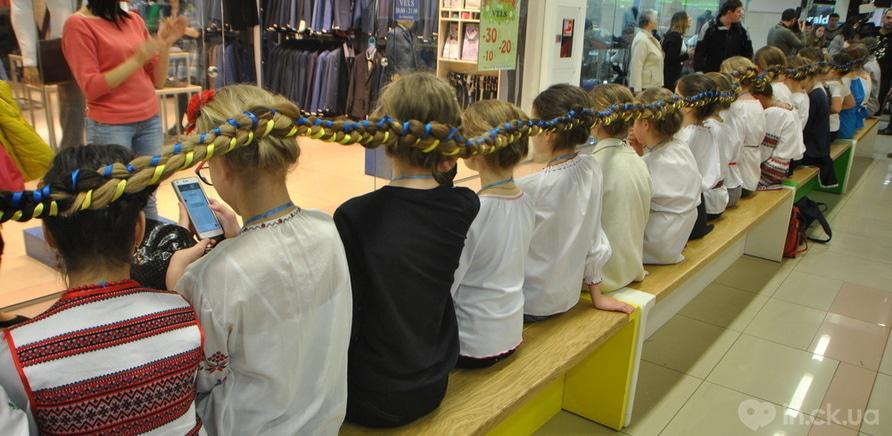 Фото 2 - Самая длинная девичья коса