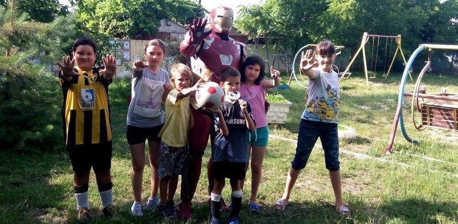 'Черкасский дизайнер создает костюмы супергероев, чтобы помочь детям'