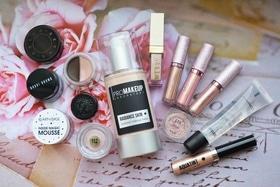 Статья '8 трендовых продуктов для свадебного макияжа'