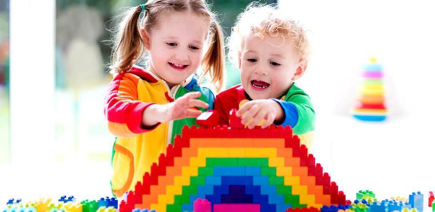 """Творчество и наука: клуб """"Smart"""" предлагает комплексные курсы для детей"""