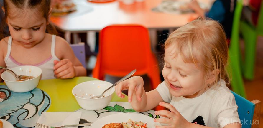 """Фото 3 - У Черкасах працює розвиваючий клуб-садочок для дітей """"Місто друзів"""""""
