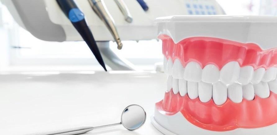 Implantaciya vs protezirovanie chto vybrat.12