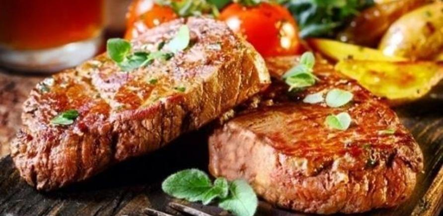 """'""""PinePlace"""": в Черкассах появилось новое место для любителей вкусных стейков'"""