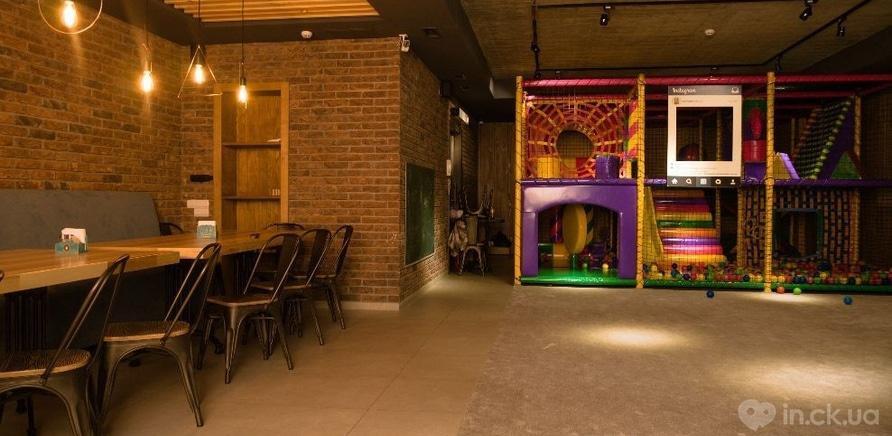 Фото 7 - Дети – под присмотром, родители отдыхают: в черкасском ресторане работает детский этаж