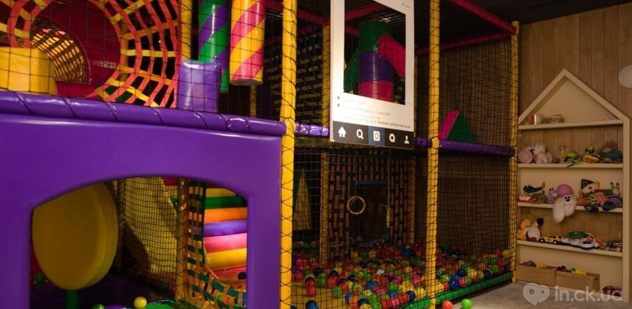 Фото 2 - Дети – под присмотром, родители отдыхают: в черкасском ресторане работает детский этаж
