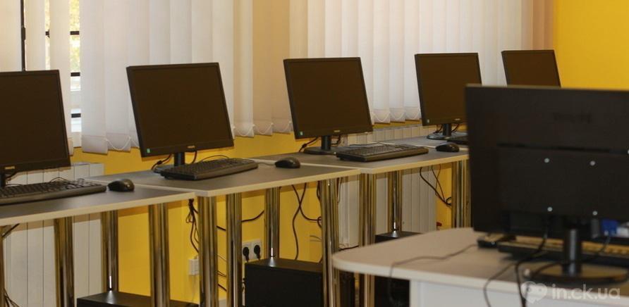 """Фото 3 - В """"Международной Компьютерной Академии ШАГ"""" прошел День открытых дверей"""