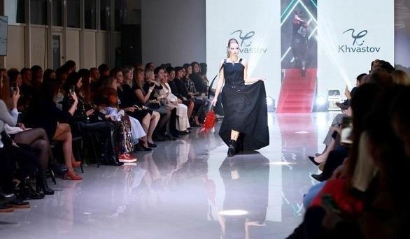 """'Шкіра, металік, вісімдесяті: у Черкасах пройшов """"MIFIDA – fashion day""""' - in.ck.ua"""