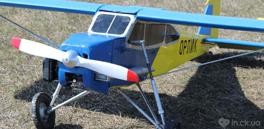 Фото 2 - Черкаський школяр створив 2-метровий літак