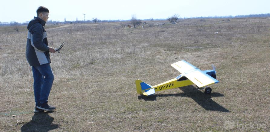 Фото 4 - Черкаський школяр створив 2-метровий літак