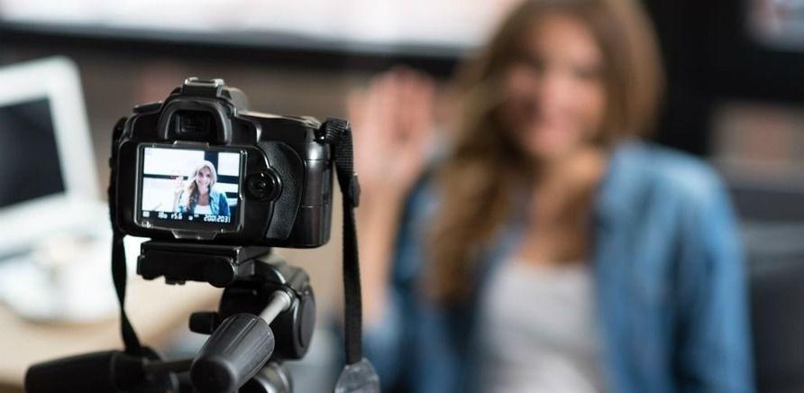 ''Работники видеокамеры и штатива': топ-5 самых популярных украинских видеоблогеров'