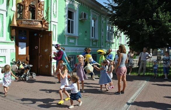 Фото 1 - Черкасский академический театр кукол