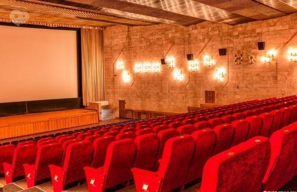Фото 2 - Кинотеатр Украина