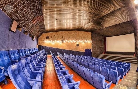 Фото 3 - Кинотеатр Украина
