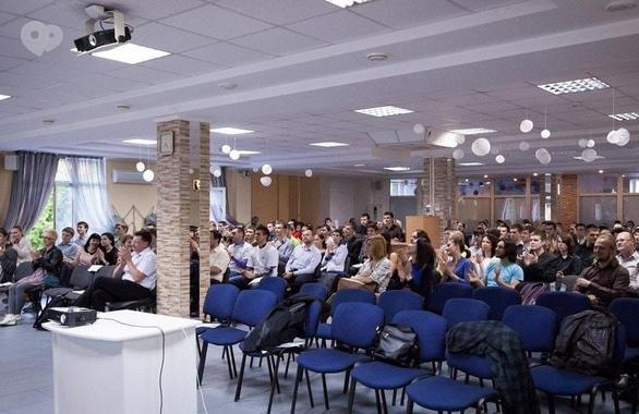 Фото 2 - Учебный центр GeekHub