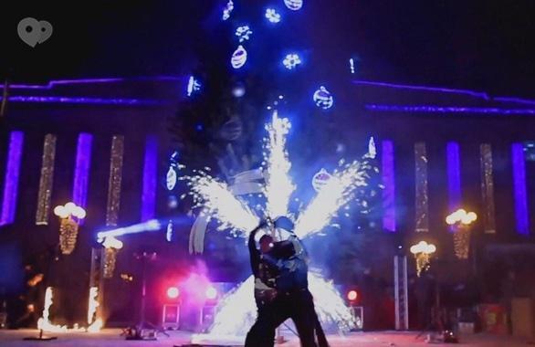 Фото 2 - Огненное шоу, пиротехническое шоу, великаны на ходулях Сварожичи