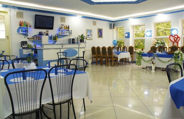 Фото 2 - Готель, кафе Нива