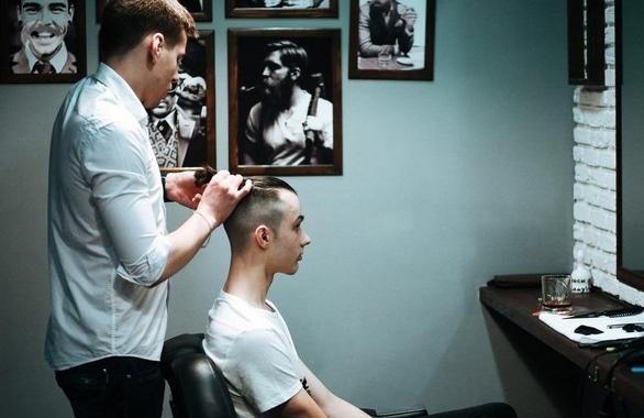 Фото 1 - Мужская парикмахерская Barbershop Doberman