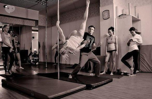 Фото 2 - Студия танца и акробатики на пилоне Politov School