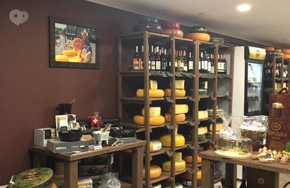 Фото 3 - Мережа магазинів голландських сирів сімейного типу Сирне королівство