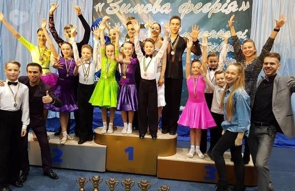 Фото 2 - Студия спортивного бального танца Crystal Dance Hall