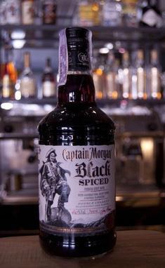 Captain Morgan 'Black Spiced' 1 л. темный, пряный