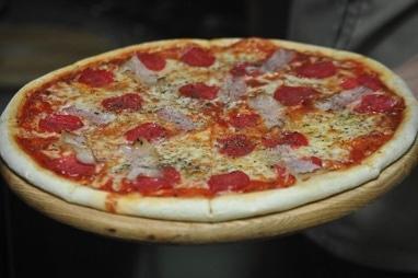 Мясная пицца крестьянская