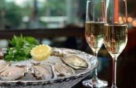 """Вечер устриц, икры и шампанского в """"Faro del porto"""""""