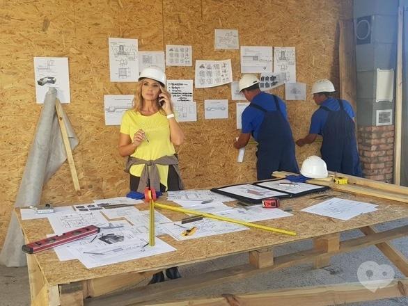 Фильм - 'Время строить': дом мечты для многодетной семьи, которая живет на улице и готовит еду на костре