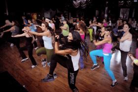 Набор в группу начинающих по Zumba фитнесс latin style