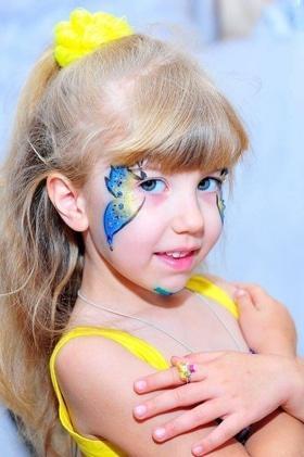'Маевка' - Мастер-класс для самых маленьких 'Рисование пальчиками'. Патриотический фейс-арт