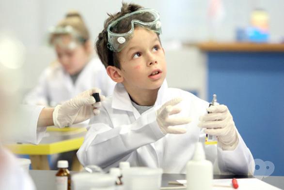Для детей - Научные выходные 'Опыты с клеем'