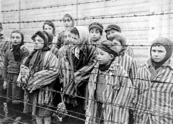 Навчання - Тематична екскурсія 'Ті, що пройшли крізь пекло. Черкащани – в'язні нацистських концтаборів'