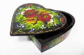 Шкатулка з петриківським розписом 'Серце'