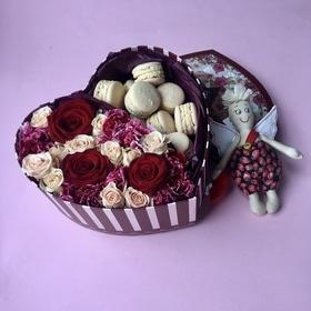 Милые коробки сердечками самых романтичных расцветок (22 см)