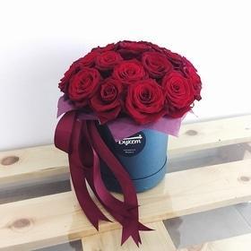 Коробочка с классической красной розой
