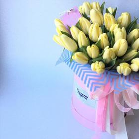 ХИТ! Тюльпаны в шляпной коробке 51 шт – размер  L