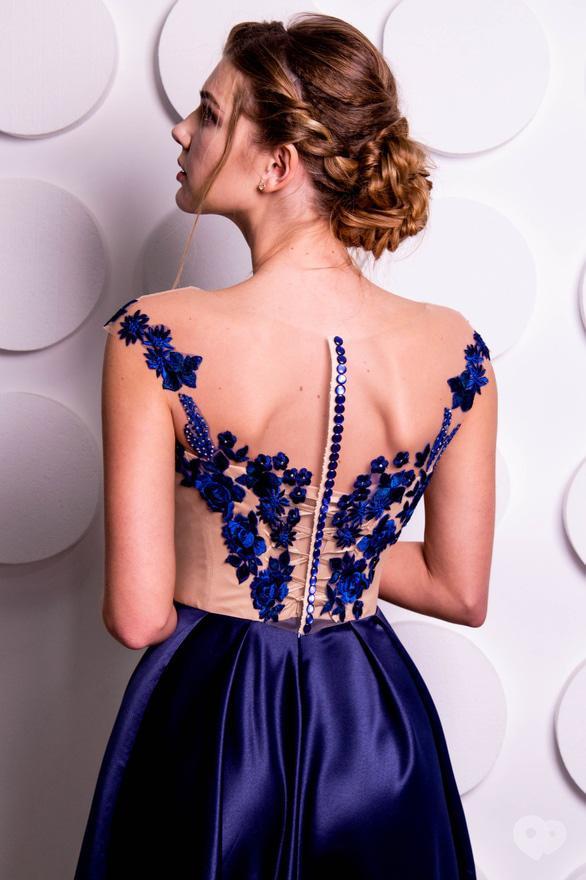 Фото-3 Журавка, салон свадебной и вечерней моды - Вечернее платье А18101
