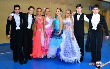 Палац молоді - Танцювальний спортивний клуб 'Жемчуг'