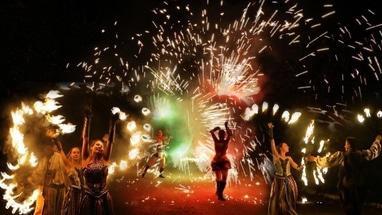 Сварожичі, вогняне шоу, піротехнічне шоу, велетні на ходулях - Вогненно-піротехнічне шоу 'Венеціанський карнавал' (4 актори)