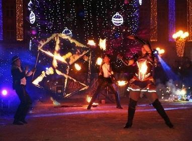 Сварожичі, вогняне шоу, піротехнічне шоу, велетні на ходулях - Фаєр-шоу в стилі 'Чикаго' (3 актори)