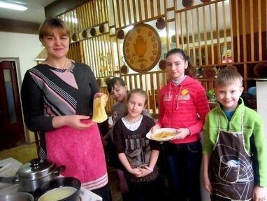 Центр детского и юношеского творчества, внешкольное учебное заведение - Кулинарный кружок 'Смак'