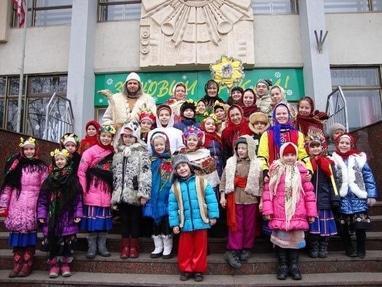 Центр детского и юношеского творчества, внешкольное учебное заведение - Образцовый детский музыкальный театр 'Лира'
