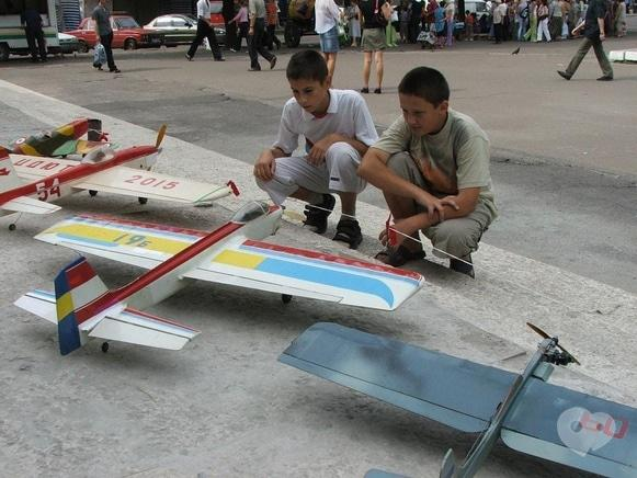 Центр детского и юношеского творчества, внешкольное учебное заведение - Авиамодельный кружок 'Икар'